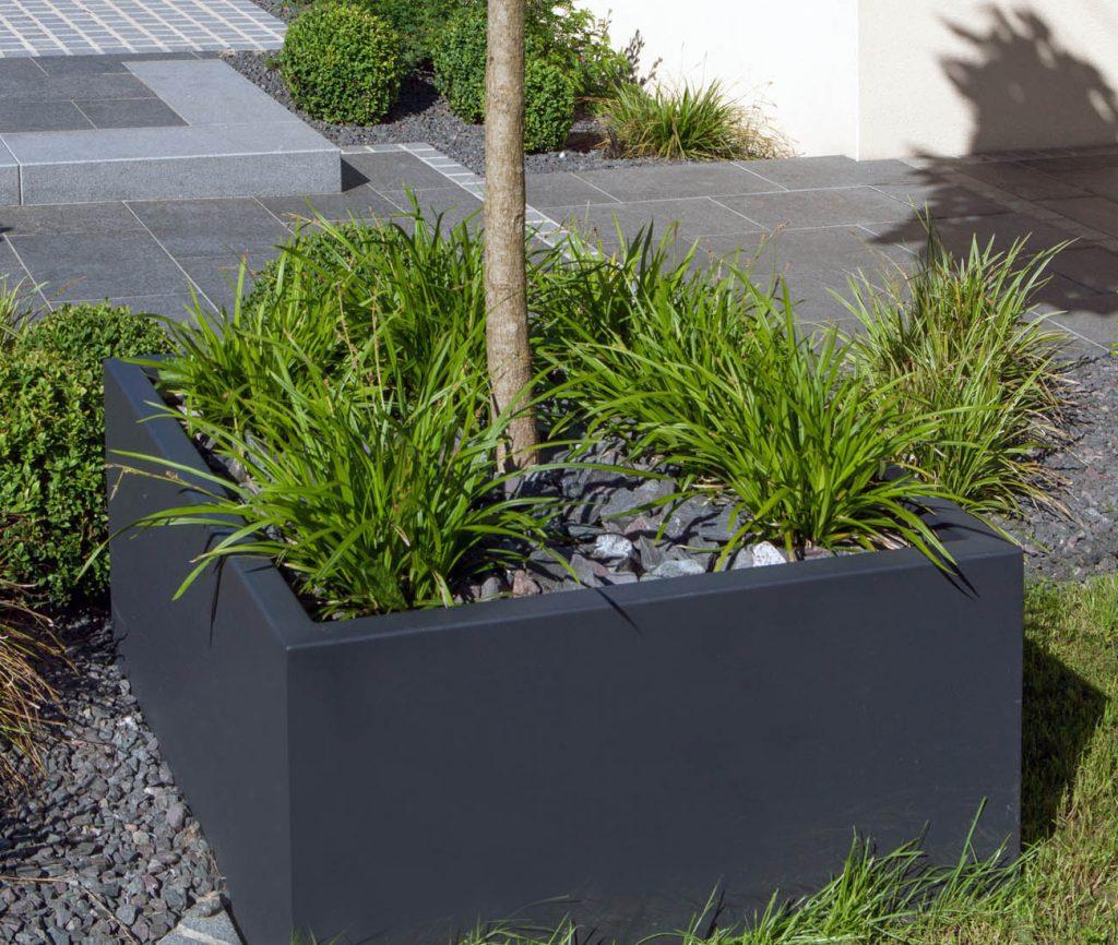 muret sur terrasse beautiful installer des plantes pour fleurir un muret with muret sur. Black Bedroom Furniture Sets. Home Design Ideas