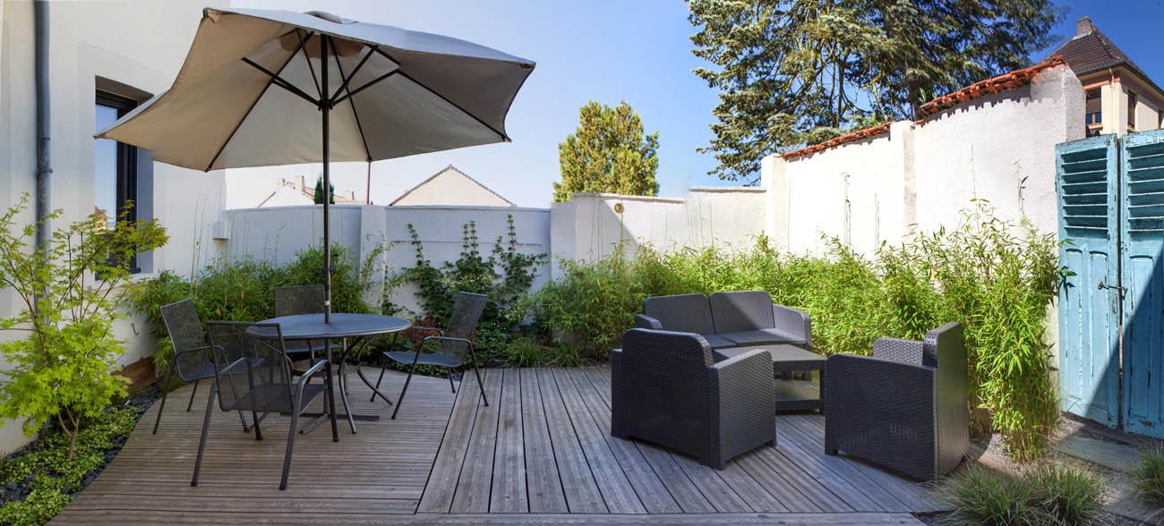 Grandeur nature am nagement de terrasse - Terrasse bois et pierre naturelle ...