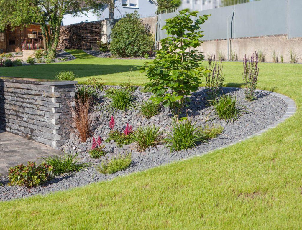 rocaille paysagres great jardin de rocaille jardin de rocaille et dco en pierre naturelle en. Black Bedroom Furniture Sets. Home Design Ideas